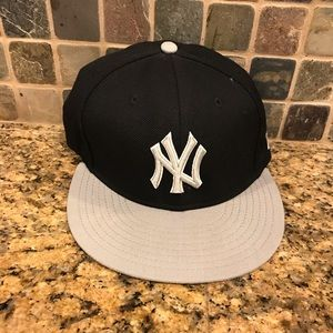 New York Yankees New Era Fitted MLB Baseball Hat